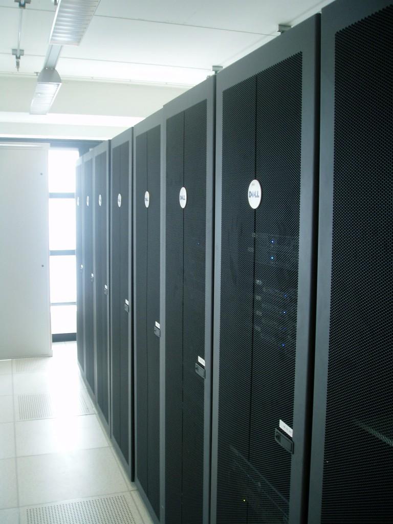 datacenter-768x1024